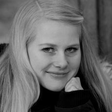 Portrætfoto Camilla sort/hvid