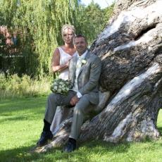 brudepar i træ